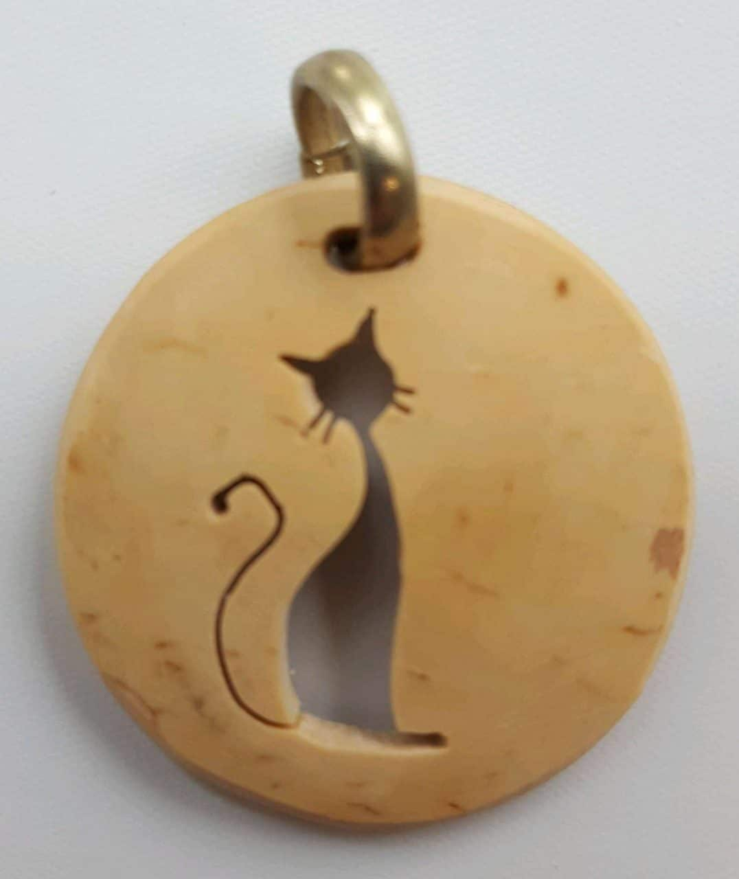 Cat – Tall Coco Spirit Hand-Carved Coconut Shell Necklace